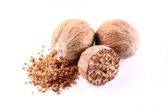 Whole Nutmeg image