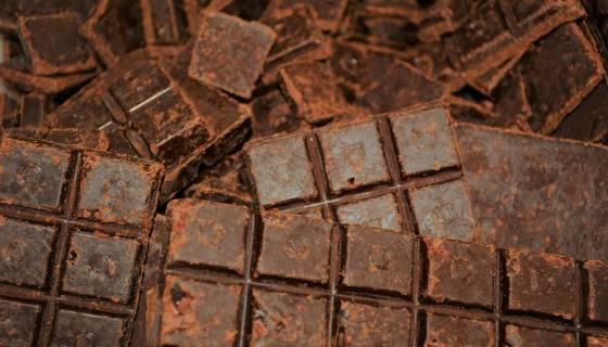 Organic Mint Crunch Dark Chocolate image