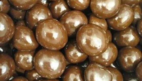 Milk Chocolate Dried Blueberries image